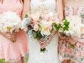 Summer bridal bouquet. Photo : Lisa Renault