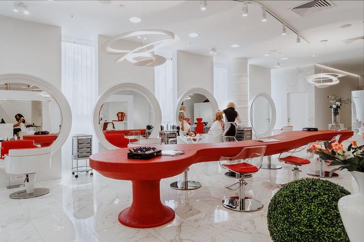 Самый крутой салон красоты в москве
